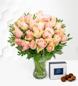 La Belle - Free Chocs - Flower Delivery - Rose Bouquet - Birthday Roses - Next Day Flower Delivery
